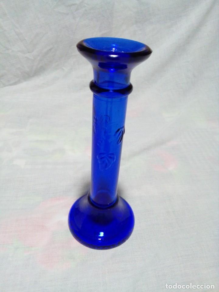 Antigüedades: portavelas de cristal azul - Foto 2 - 231675540