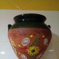 Antigüedades: MACETERO DE CERAMICA PINTADO A MANO. Lote 244951925