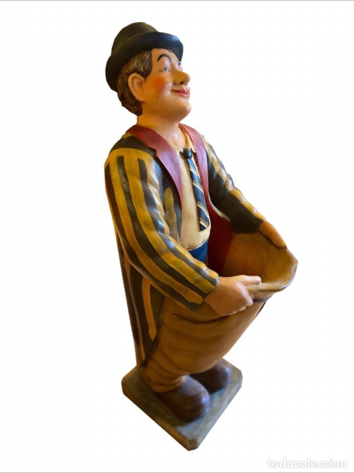 Antigüedades: Espectacular paragüero, Oliver Hardy,muy bien conservado. - Foto 2 - 231686625