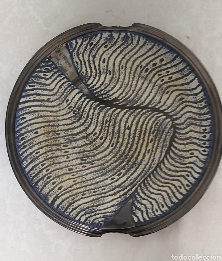 PLATO DE CERAMICA FIRMADO MILLET (Antigüedades - Porcelanas y Cerámicas - Catalana)