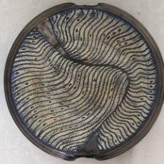 Antigüedades: PLATO DE CERAMICA FIRMADO MILLET. Lote 231915880
