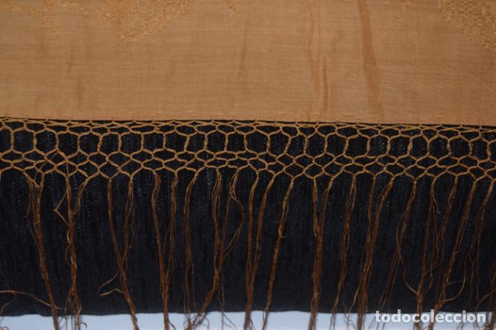 Antigüedades: mantón de seda indumentaria - Foto 3 - 231920695