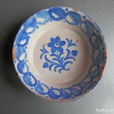 Antiquités: FUENTE O LEBRILLO DE CERÁMICA DE FAJALAUZA MUY ANTIGUA S. XIX GRANADA - MOTIVO FLORAL 25 X 8. Lote 231924440