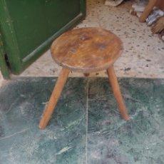 Antigüedades: BANCO DE ORDEÑO. Lote 231942225