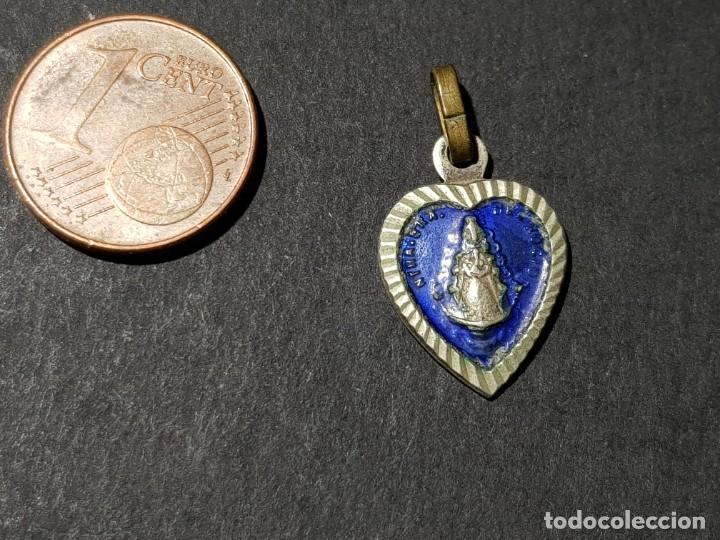 ANTIGUA MEDALLA PEQUEÑA DE ALPACA DE NTRA. SRA. DEL ROCIO (Antigüedades - Religiosas - Medallas Antiguas)