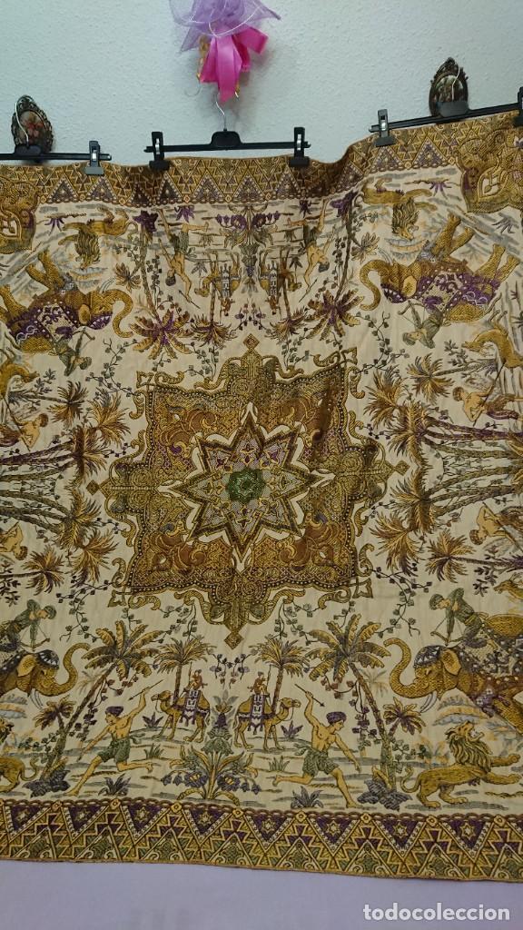 Antigüedades: MANTEL U OTROS USOS, BORDADO EN HILOS SEDA - Foto 8 - 232236780
