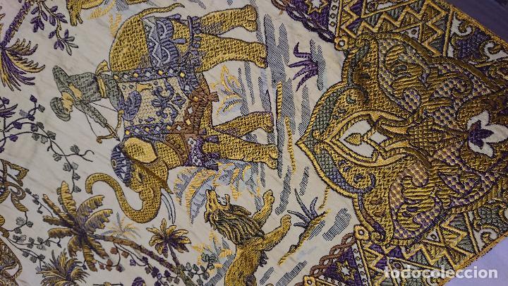 Antigüedades: MANTEL U OTROS USOS, BORDADO EN HILOS SEDA - Foto 16 - 232236780