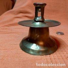 Antigüedades: PORTA VELAS, PALMATORIA, LUCENA, CANDELABRO...ANTIGUO Y DE LATÓN. Lote 232409105