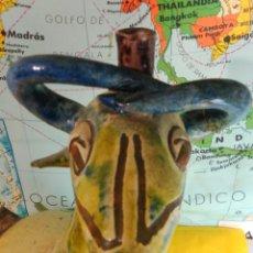 Antiquités: ANTIGUO BOTIJO ZOOMORFO, CABRA, CERAMICA TERUEL. Lote 247198895