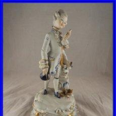 Antigüedades: FIGURA DE PORCELANA DE CAPODIMONTE PRINCIPE. Lote 232690130
