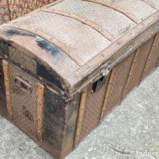 Antigüedades: INTERESANTE BAUL ANTIGUO. Lote 232759770