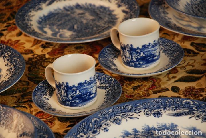 Antigüedades: Conjunto de 30 bellas piezas de vajilla inglesa Churchill. Siglo XX. - Foto 6 - 232785145