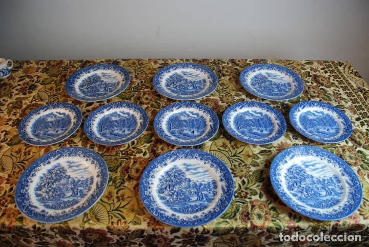 Antigüedades: Conjunto de 30 bellas piezas de vajilla inglesa Churchill. Siglo XX. - Foto 11 - 232785145