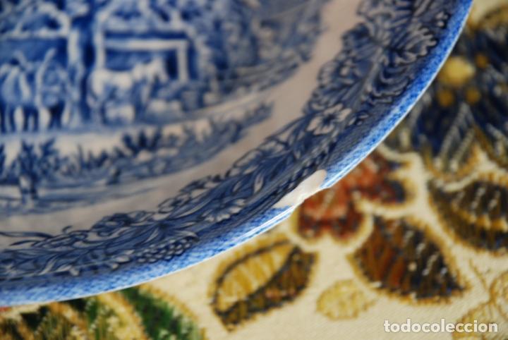 Antigüedades: Conjunto de 30 bellas piezas de vajilla inglesa Churchill. Siglo XX. - Foto 13 - 232785145