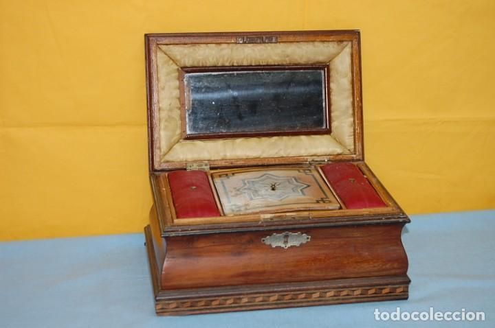 PRECIOSA CAJA COSTURERO S.XIX (Antigüedades - Hogar y Decoración - Cajas Antiguas)