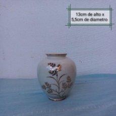 Antigüedades: BONITO JARRÓN CON DIBUJO Y BORDE EN DORADO. KERAFINA PORZELLAN BAVARIA GERMANY 7. Lote 232873760