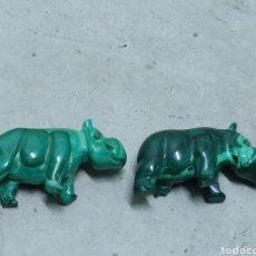 Antigüedades: 2 HIPOPÓTAMOS ESCULPIDOS EN MALAQUITA. Lote 232875900