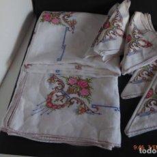 Antigüedades: MANTEL GRANDE DE HILO BORDADO A MANO. Lote 232954695