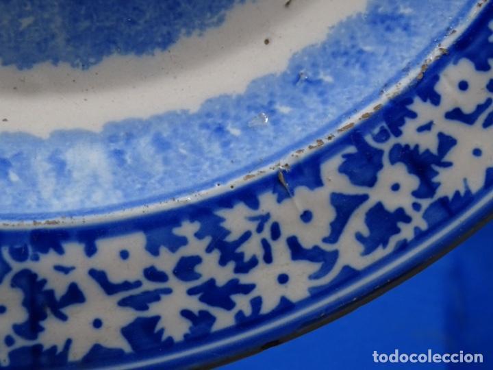 Antigüedades: GRAN PLATO DE TRIANA DEL SIGLO XIX.NIÑO CON CORDERO.BIEN CONSERVADO. - Foto 7 - 233035438