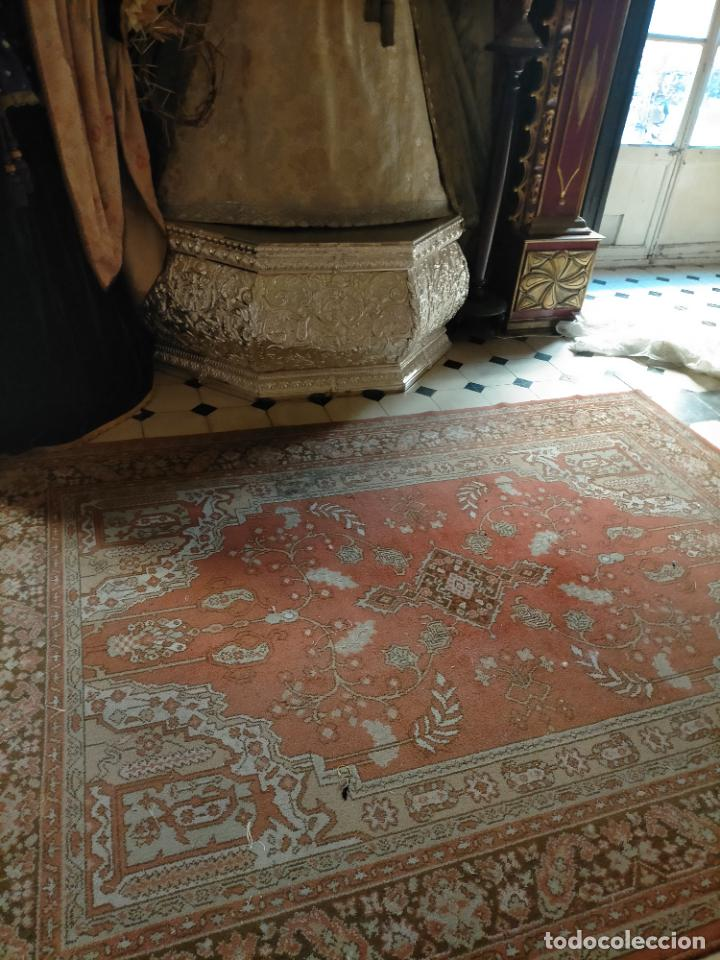 Antigüedades: gran alfombra, iglesia besamanos virgen cofradia , 230 x 167 - Foto 8 - 233075925