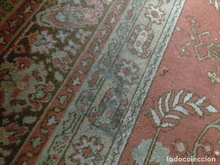 Antigüedades: gran alfombra, iglesia besamanos virgen cofradia , 230 x 167 - Foto 9 - 233075925