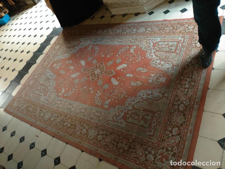 Antigüedades: gran alfombra, iglesia besamanos virgen cofradia , 230 x 167 - Foto 25 - 233075925
