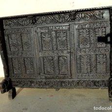 Antigüedades: APARADOR, PANERA INDU MUEBLE ORIENTAL, EN MADERA TALLADA. Lote 233084845