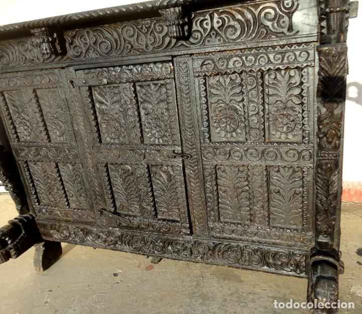 Antigüedades: Aparador, panera indu mueble oriental, en madera tallada - Foto 7 - 233084845