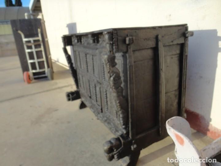Antigüedades: Aparador, panera indu mueble oriental, en madera tallada - Foto 8 - 233084845