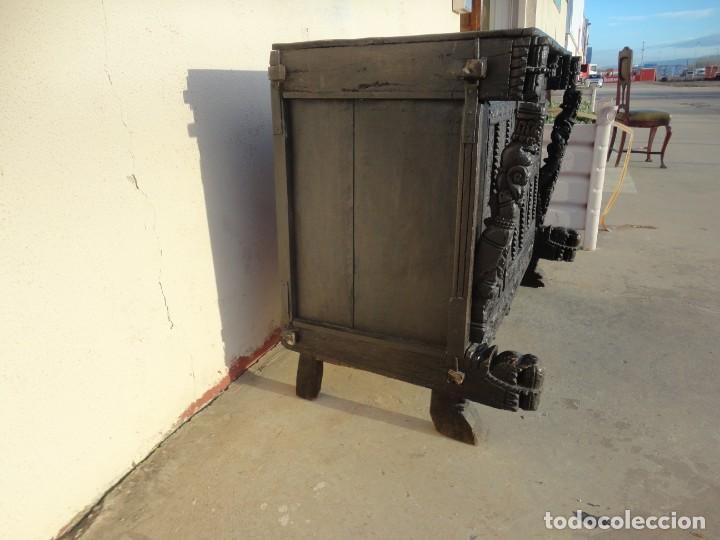 Antigüedades: Aparador, panera indu mueble oriental, en madera tallada - Foto 10 - 233084845