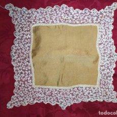 Antigüedades: PAÑUELO DE SEDA Y ENCAJE. Lote 233116380