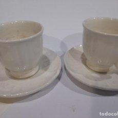 Oggetti Antichi: LOTE 2 TAZAS DE CAFÉ Y DOS PLATILLOS LA CARTUJA DE SEVILLA. Lote 233127975