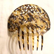 Antigüedades: PEINETA SÍMIL CAREY 15 X 15 CM. Lote 233233420