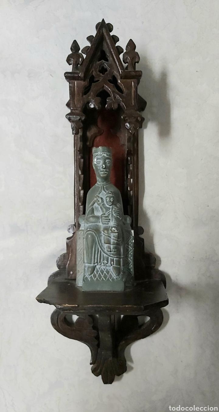 ANTIGUA CAPILLA CON LA VIRGEN DE MONTSERRAT. MORENETA (Antigüedades - Religiosas - Benditeras)