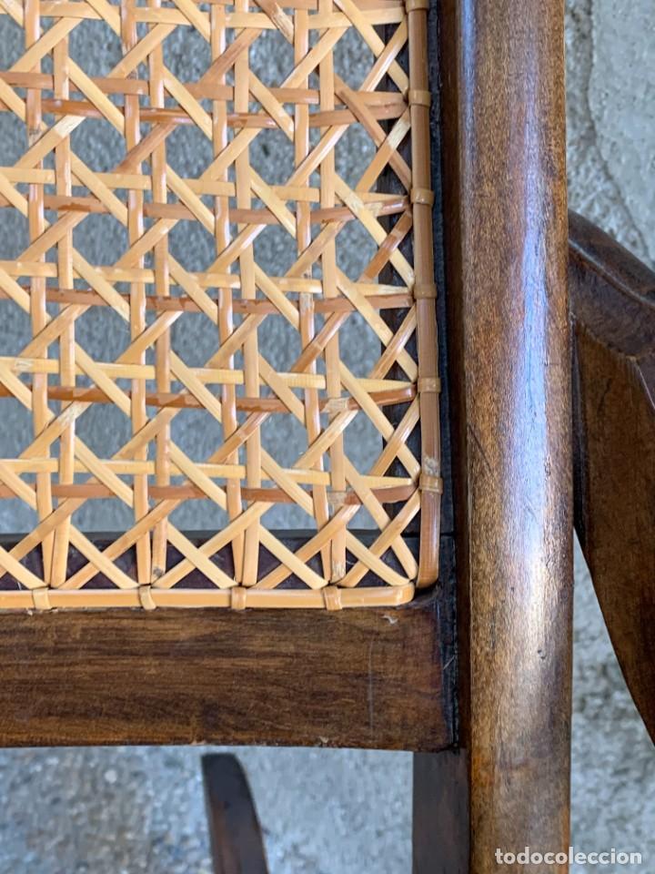 Antigüedades: PEQUEÑA MECEDORA MADERA CAOBA REJILLA MITAD S XIX ISABELINA 85X47CMS - Foto 6 - 233363070