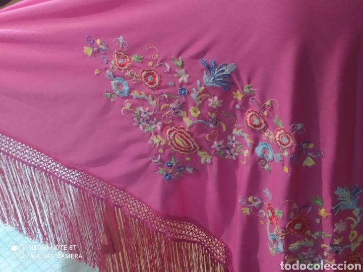 Antigüedades: Impresionante manton antiguo bordado a mano precioso - Foto 4 - 233454790