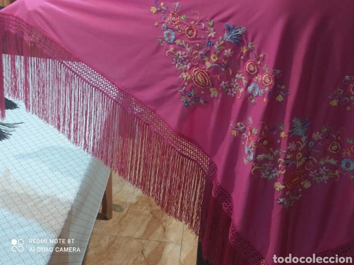 Antigüedades: Impresionante manton antiguo bordado a mano precioso - Foto 7 - 233454790