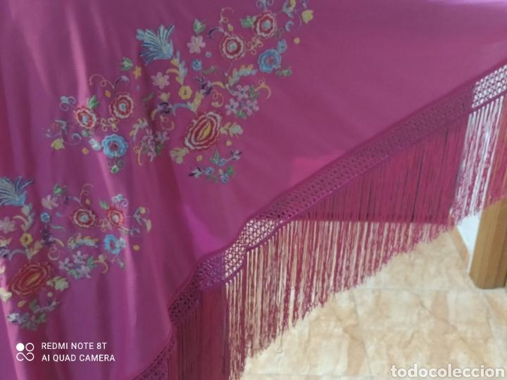 Antigüedades: Impresionante manton antiguo bordado a mano precioso - Foto 8 - 233454790