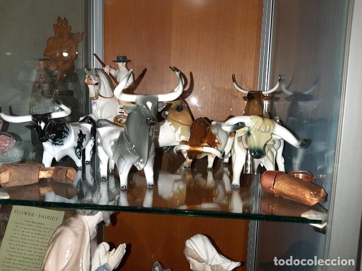 Antigüedades: MANADA TOROS PORCELANA DE ALGORA INCLUYENDO PICADOR Y CABESTRO - Foto 31 - 107684343