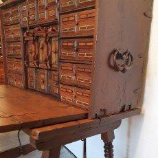 Antigüedades: BARGUEÑO ESPAÑOL DE NOGAL S.XVIII. Lote 233643815