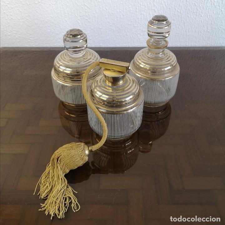 ANTIGUO JUEGO DE TOCADOR ART DECO EN CRISTAL CON DETALLES DORADOS FRANCIA AÑOS 30 (Antigüedades - Cristal y Vidrio - Otros)
