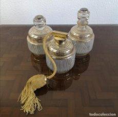 Antiquités: ANTIGUO JUEGO DE TOCADOR ART DECO EN CRISTAL CON DETALLES DORADOS FRANCIA AÑOS 30. Lote 233802000