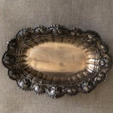 Antigüedades: ANTIGUA BANDEJA CON PUNZONES ME PLATEADO.. Lote 233857380