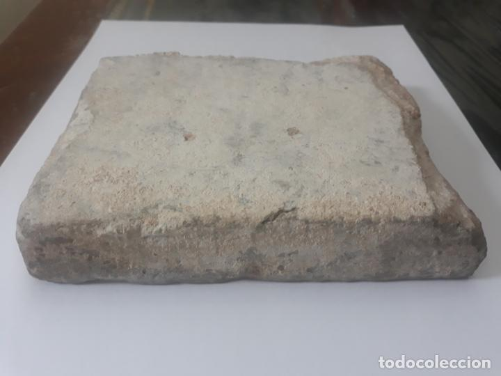 Antigüedades: AZULEJO ANTIGUO DE TOLEDO - SIGLO XV - ARISTA - LACERIA ARABE / MUDEJAR. - Foto 8 - 233921540