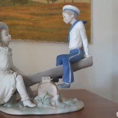"""Antigüedades: FIGURA LLADRÓ """"COLUMPIO FELIZ"""" AÑOS 70. Lote 234038665"""