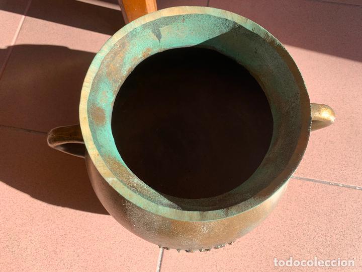 Antigüedades: Espectacular antigua OLLA BARBERI, OLOT, en bronce. Ver medidas. Pieza de coleccionista - Foto 5 - 234275305