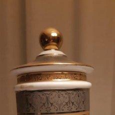 Antigüedades: BOTE DE PORCELANA SNEROLL. Lote 234348310
