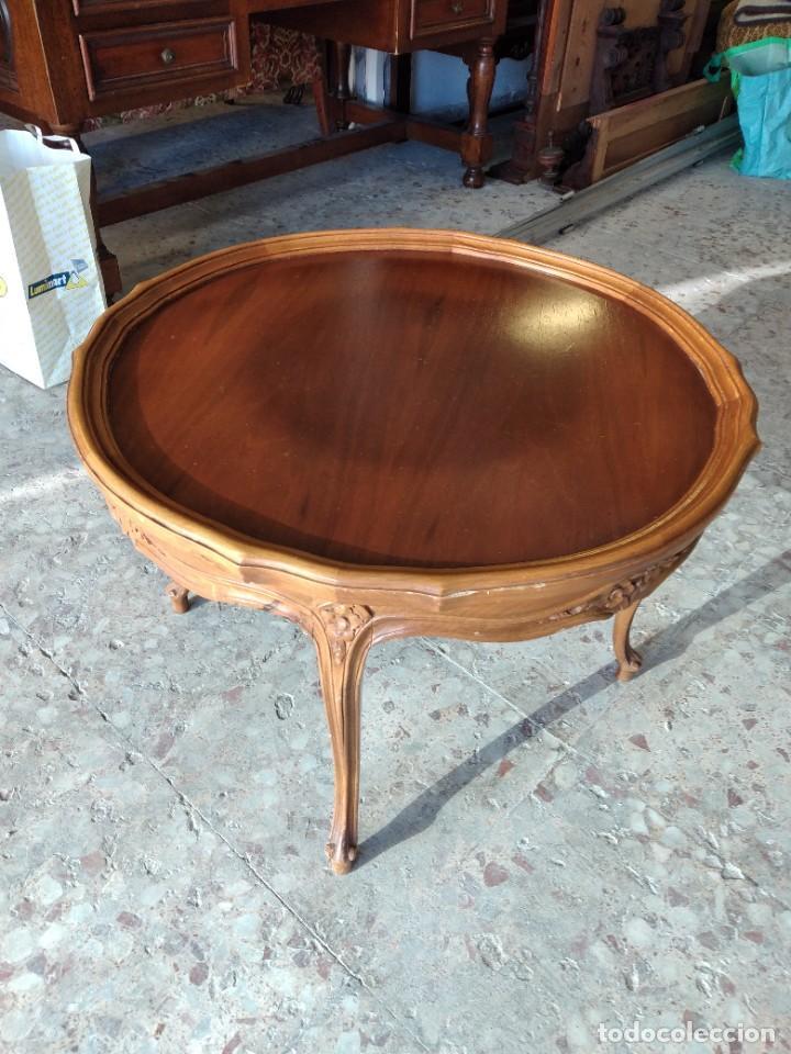Antigüedades: Preciosa mesa de café isabelina de madera de roble con decoraciones talladas - Foto 2 - 234399695
