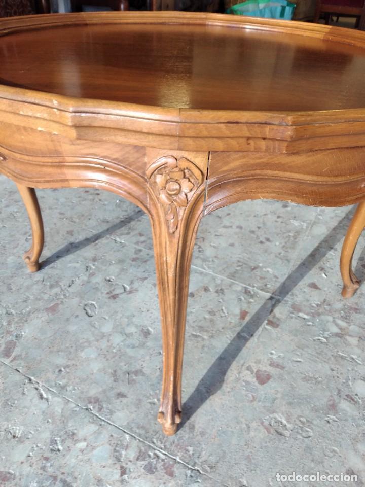 Antigüedades: Preciosa mesa de café isabelina de madera de roble con decoraciones talladas - Foto 5 - 234399695