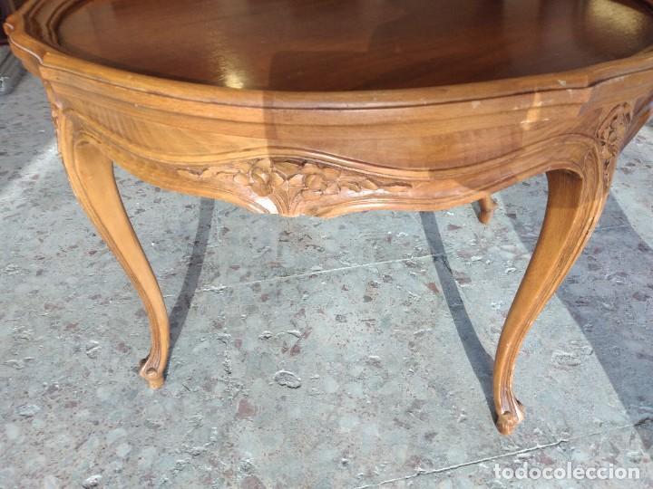 Antigüedades: Preciosa mesa de café isabelina de madera de roble con decoraciones talladas - Foto 6 - 234399695